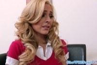Сквирт красивой блондинки