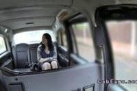Красотка сделала минет таксисту