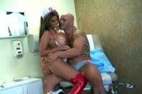 Секс с грудастой медсестрой