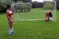 Сквирт сексуальных девушек футболисток