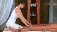 Чувственный массаж грудастой девушки