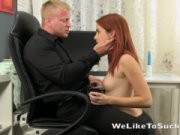 Секретарша отсасывает боссу и глотает сперму
