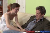 18 летняя красавица трахается со зрелым мужиком