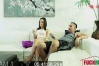 Трахает на диване свою молодую жену