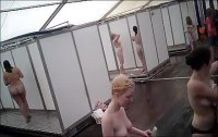 Скрытая камера в общественном женском душе