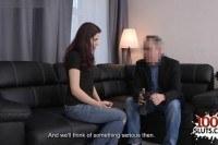 Мужик развел 19 летнюю красивую девушку на секс