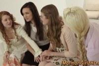 Три 20 летние девушки и мамка