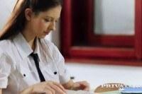 18 летняя девушка трахается с учителем на столе