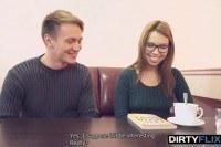 Секс русской 25 летней девушкой в очках