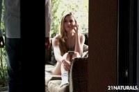 Нежный анальный секс с 20 летней блондинкой