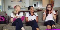 Парень ебет троих 18 летних девушек