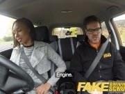 Ебля с молодой негритянкой в машине