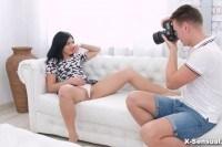 Позвал подругу на эротическую фотосессию и трахнул